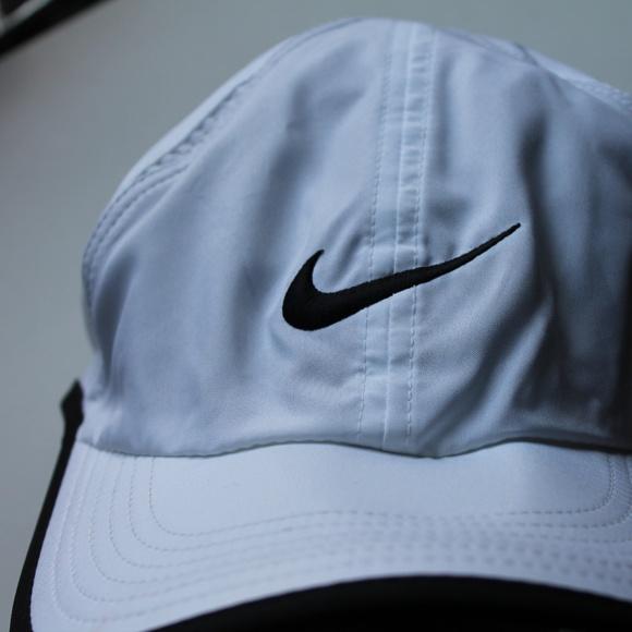 0ff5bd948ca1b White Dri-Fit Nike Women s Hat. M 5b6a175be944bab92f1af244